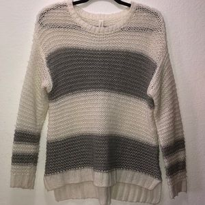 Aeropostale Gray and white knit sweater
